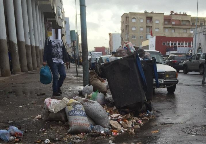 في مشهد غير مسبوق.. الأزبال تغزو شوارع الجديدة وشركة النظافة خارج التغطية