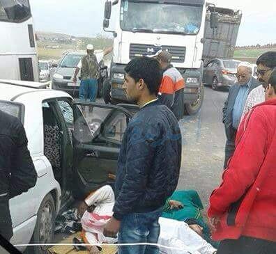 سبعة مصابين في حادثة سير خطيرة بعد اصطدام شاحنة وسيارتين للأجرة قرب سيدي اسماعيل