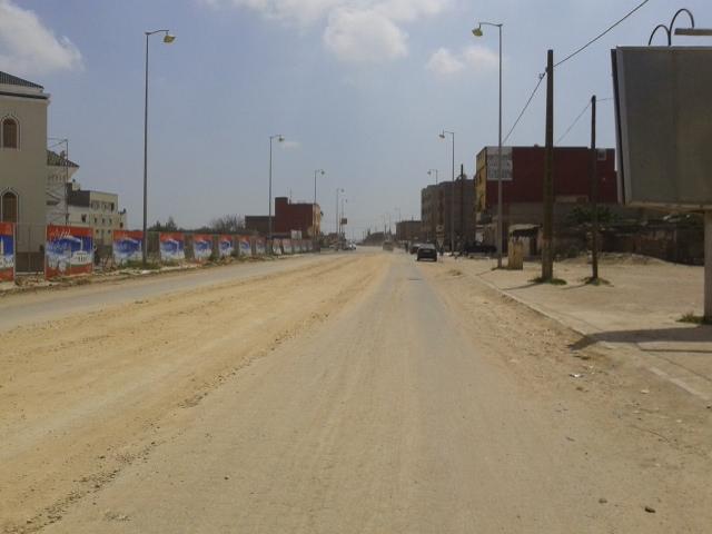 استعمال 'التوفنة' لترقيع شارع رئيسي وسط المجال الحضري للزمامرة