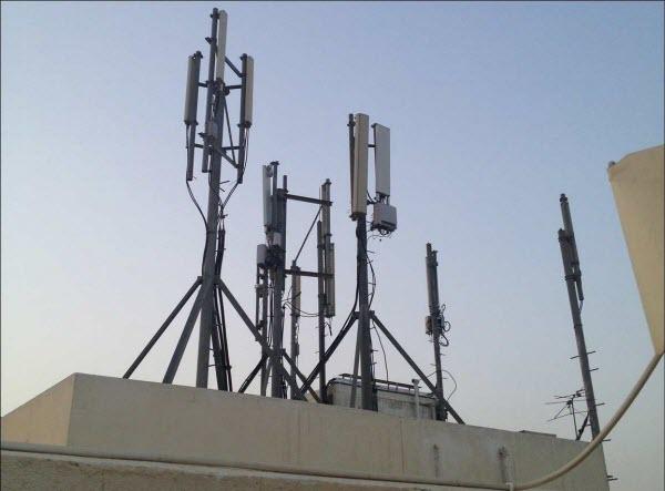 سكان تجزئة ''حيمي'' بآزمور يعترضون على إقامة ثاني محطة للاتصال بحيهم