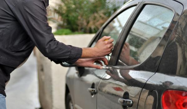 اختفاء سيارتين في ظروف غامضة بالجديدة يستنفر المصالح الامنية