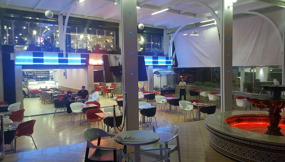 بالصور.. افتتاح مطعم 'فاست فود 101' للوجبات العصرية والأكلات السريعة بملتقى الكليات بالجديدة