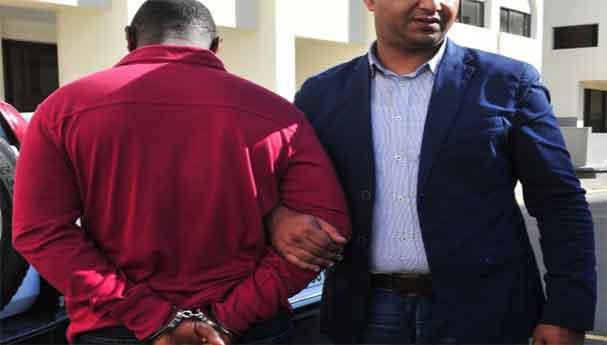 الشرطة القضائية بالجديدة توقف 3 أفارقة من أجل تعدد السرقات الموصوفة