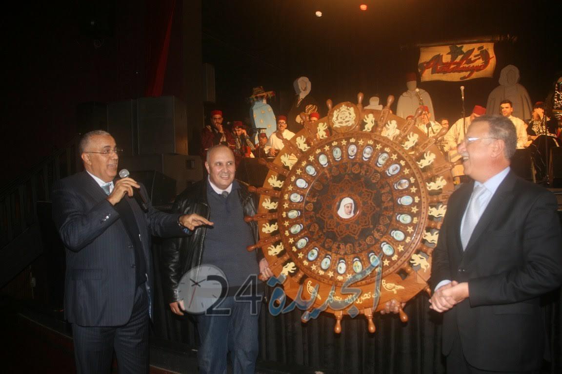 معاذ الجامعي يحظى بتكريم في المهرجان الدولي للموسيقى الأندلسية بمسرح عفيفي
