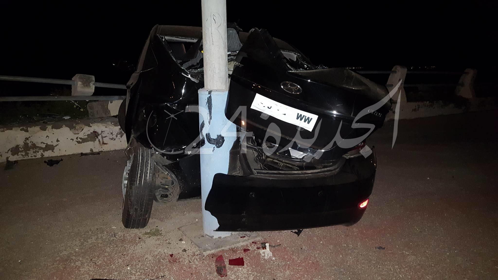 شاهد بالصور.. حادثة سير غريبة في وقت متأخر من الليل في شارع النصر بالجديدة