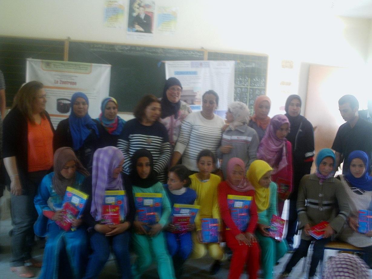 مؤسسة أمين الخاصة بالجديدة في زيارة تضامنية لمدرسة عبدالله بن الكامل بحد أولاد عيسى