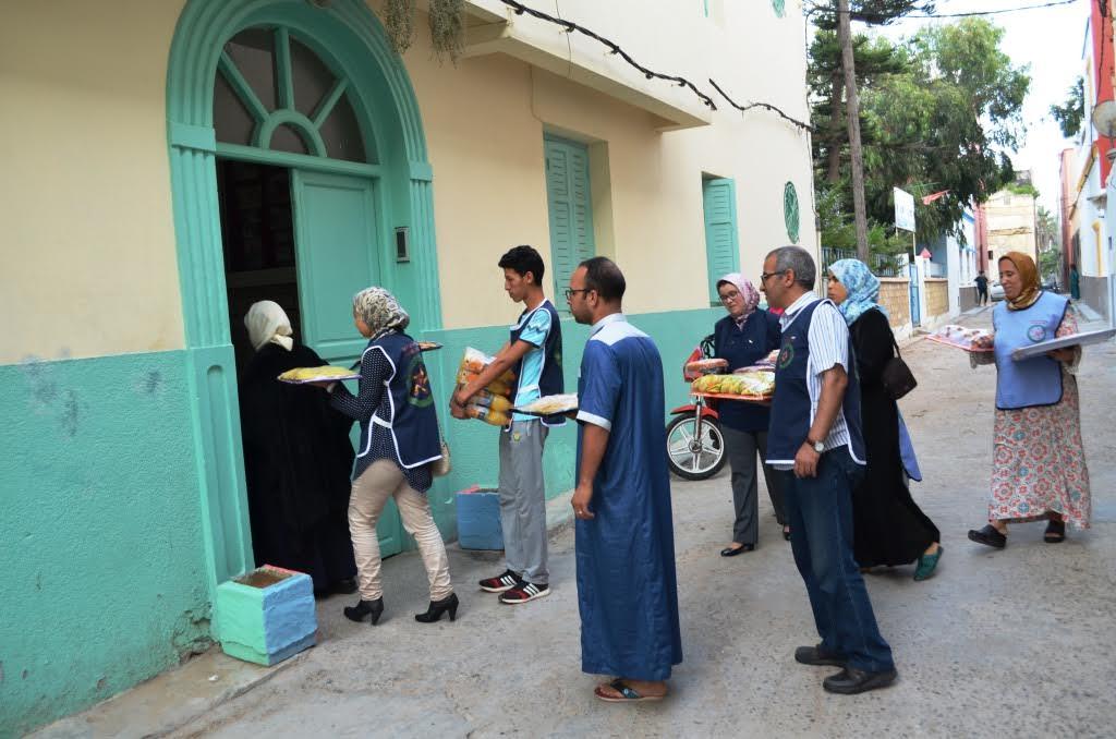 جمعية المشاعل للتنمية و التضامن تنظم افطارا  جماعيا رفقة نزﻻء دار المسنين بالجديدة
