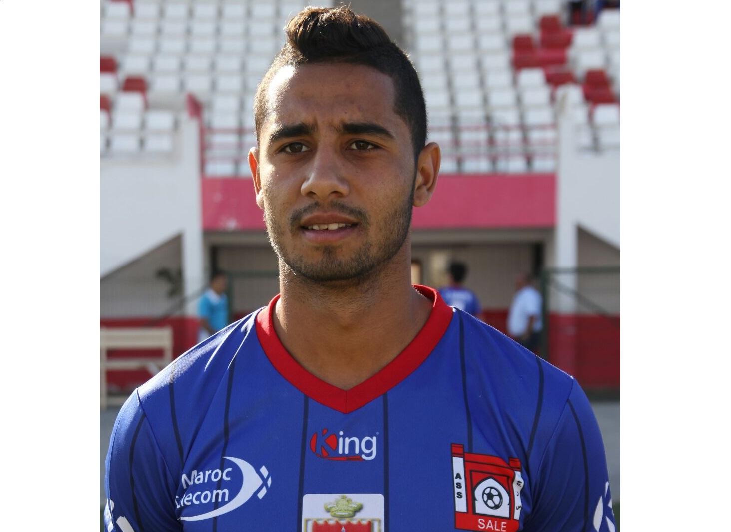 لاعب جديدي سابق يجر  فريق مغربي عريق الى القضاء بتهمة التزوير والنصب