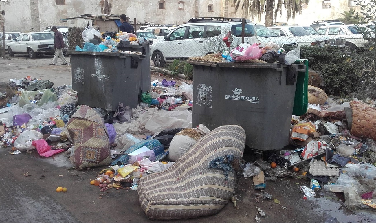 عمال النظافة بالجديدة يضربون عن العمل لمدة يومين وقطاع النظافة مهدد بالشلل