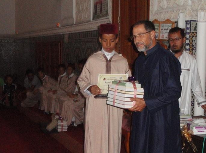 كُتّاب مسجد السلام بالجديدة يحتفي بتلاميذ متمدرسين ختموا القرآن الكريم كاملا + فيديو