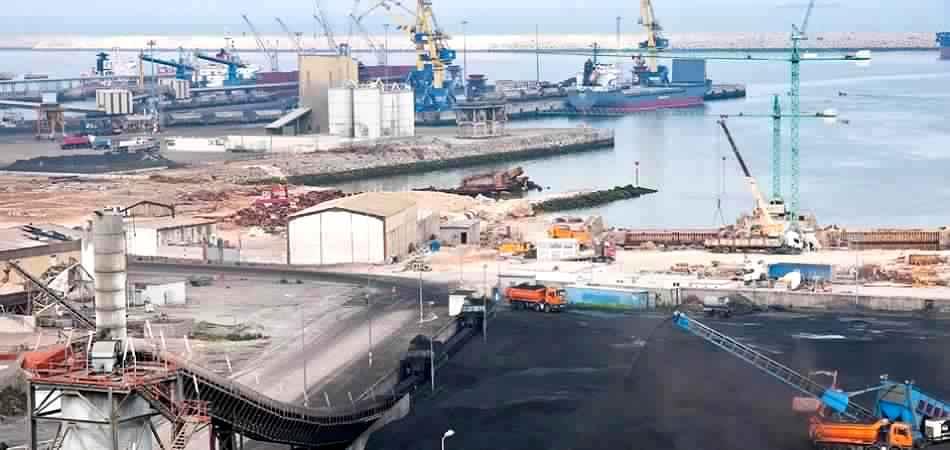 تحقيق : الخطر القادم من ميناء الجرف الأصفر.. القنبلة الموقوتة !