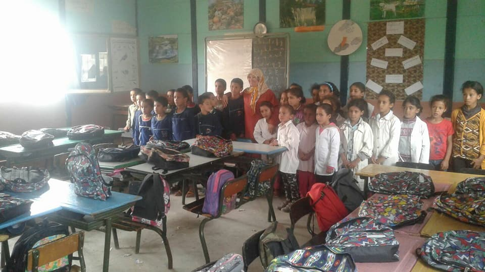 جمعوبون يوزعون محفظات ولوازم مدرسية بجماعة اولاد رحمون