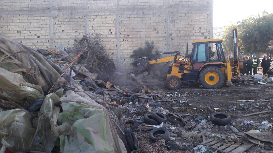 بالصور.. القوة العمومية تهدم سوقا عشوائيا بجماعة سيدي علي بن حمدوش بإقليم الجديدة