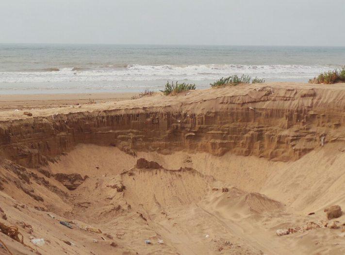 درك سيدي بوزيد يتصدى لنهب الرمال من شواطئ اقليم الجديدة
