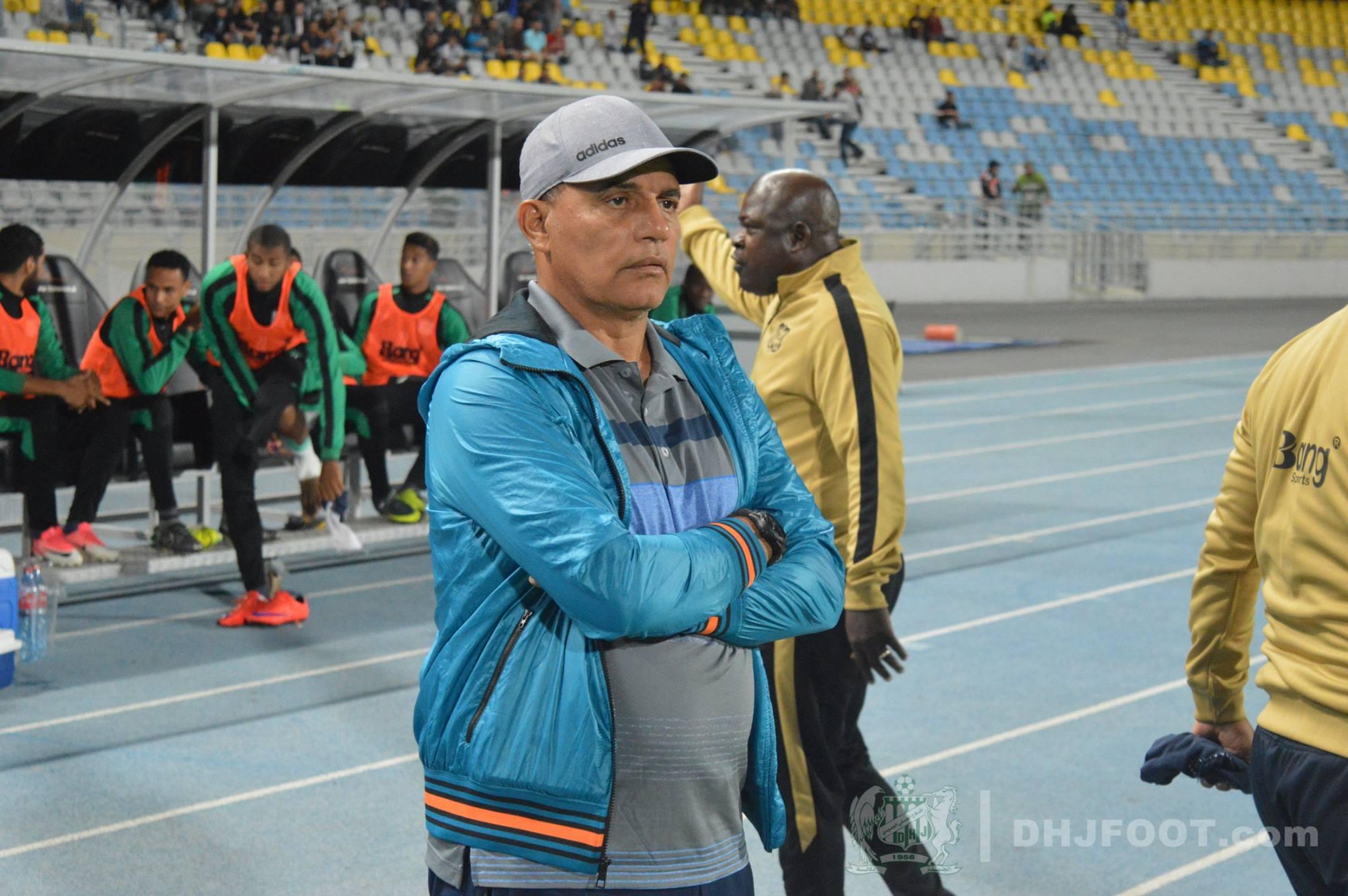 جامعة الكرة تعاقب مدرب الدفاع الحسني الجديدي