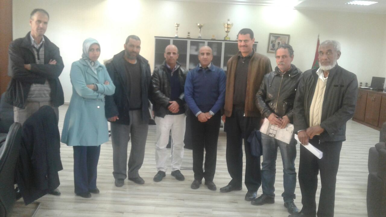 جمعيات المجتمع المدني بحيي النجد والسلام تجتمع بالمدير الاقليمي للتعليم بالجديدة