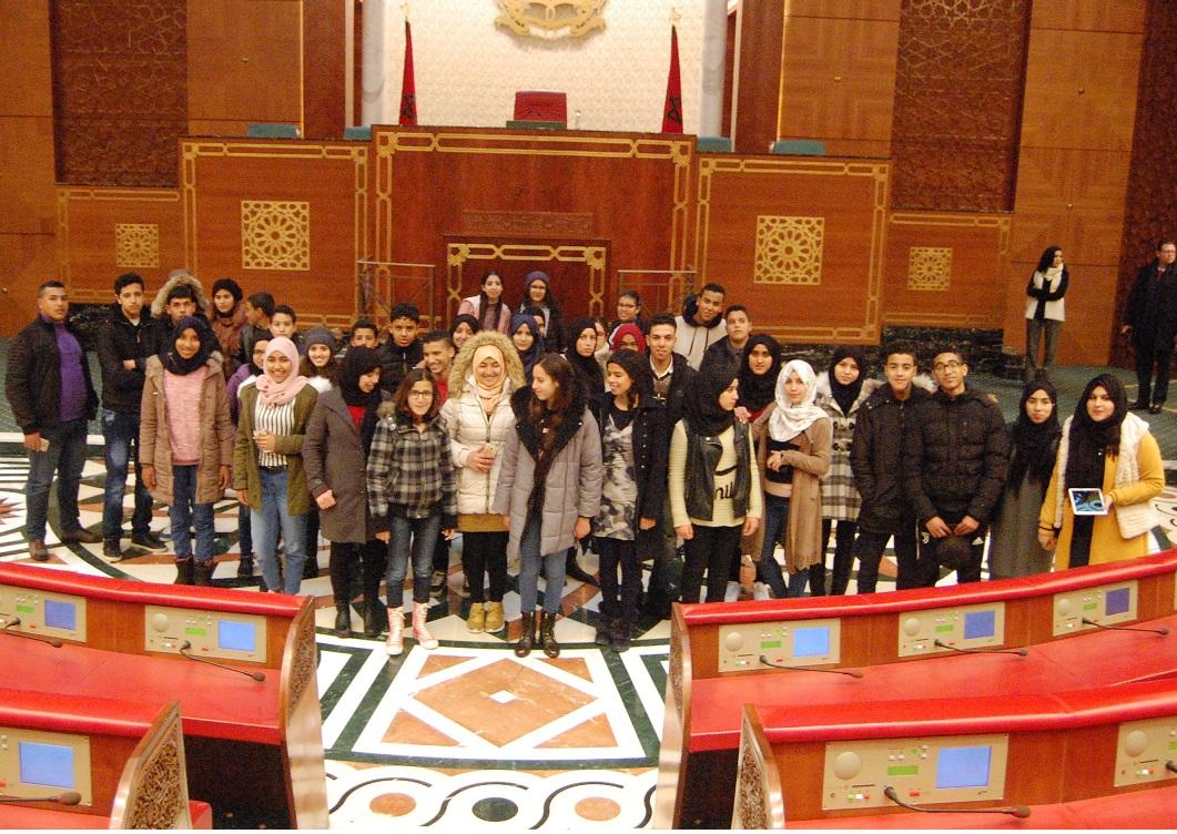 تلاميذ ثانوية عقبة بن نافع بالبئر الجديد يكتشفون برلمان المملكة
