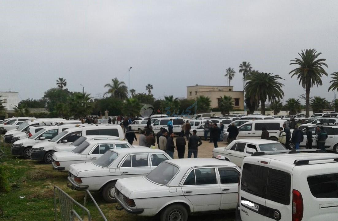 إلغاء إضراب الطاكسيات الكبيرة بعد اجتماع عاصف بمقر عمالة الجديدة