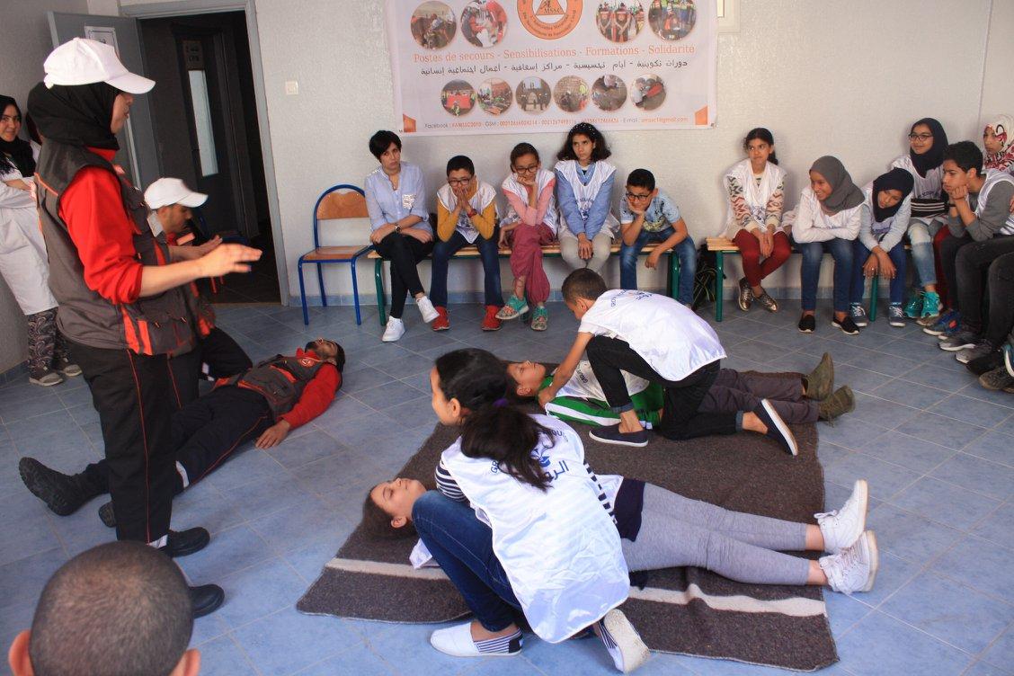 الجمعية المغربية للإسعاف والانقاذ المدني في رحاب مجموعة مدارس الرواد بالجديدة