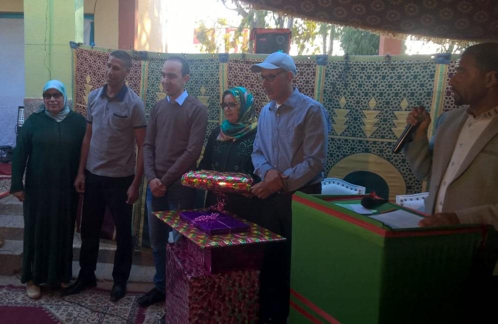تكريم مدير مدرسة عقبة بن نافع بالزمامرة بعد احالته على التقاعد