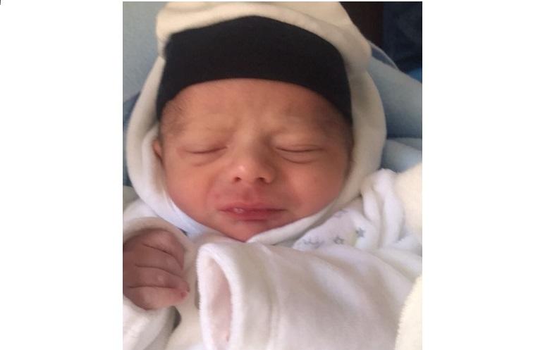 تهنئة بمولود في بيت الطاهر زهران