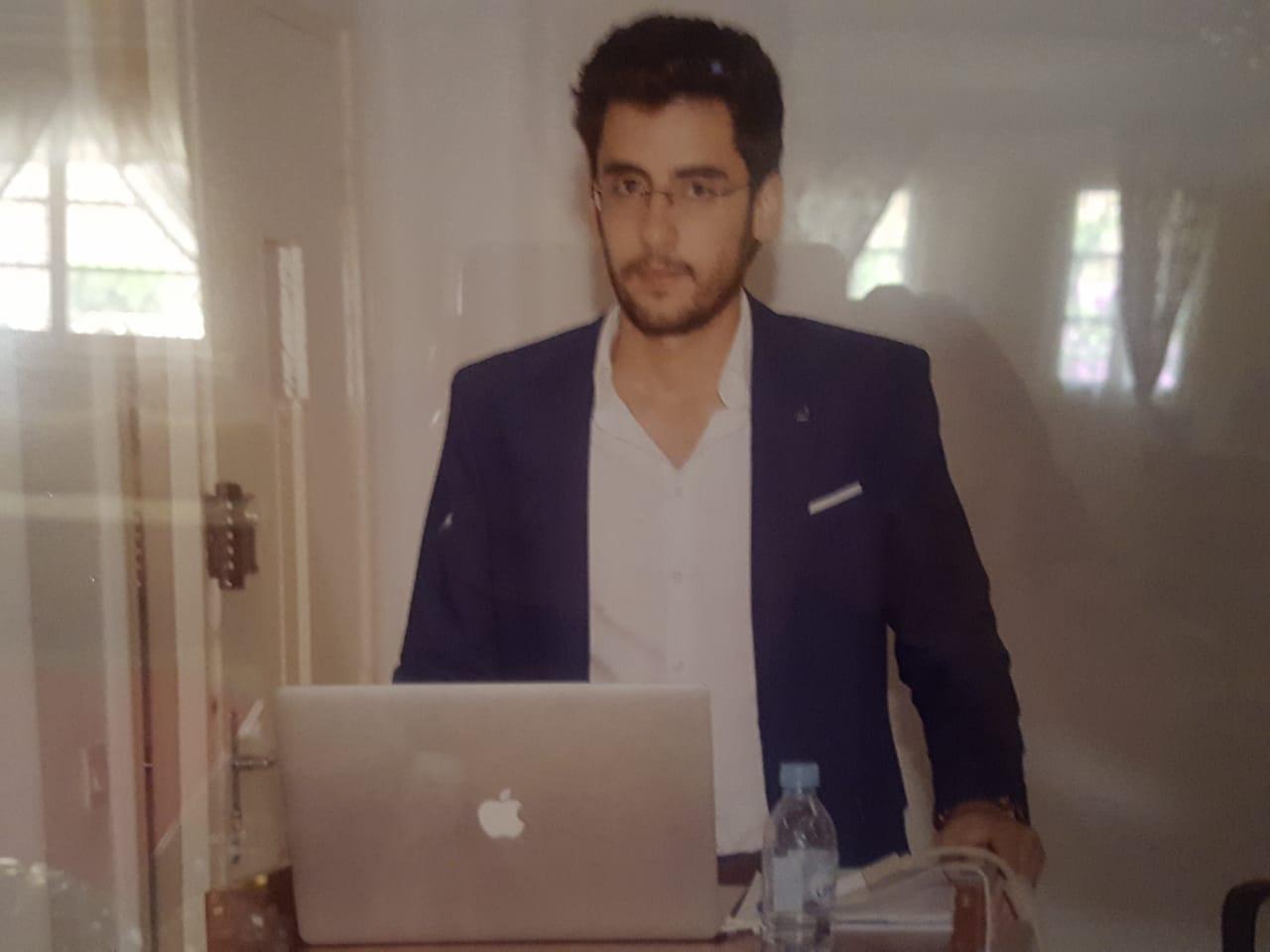 تهنئة للدكتور الخودي عبد اللطيف بنيل نجله أنس الخودي لشهادة مهندس