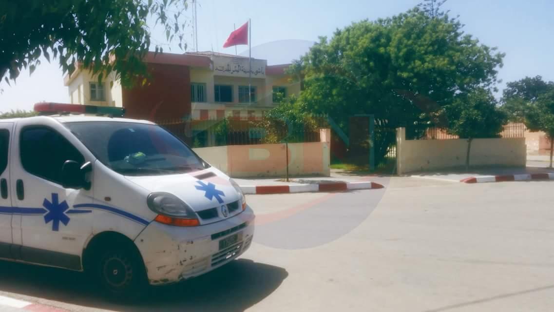 مستشار جماعي يعتدي على عون سلطة بالبئر الجديد ويرسله إلى المستشفى