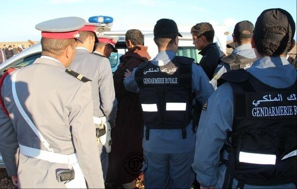 مواطنون يحاصرون منزلا في مدينة ازمور والشرطة توقف رجلا مسنا للاشتباه في هتكه لعرض طفل