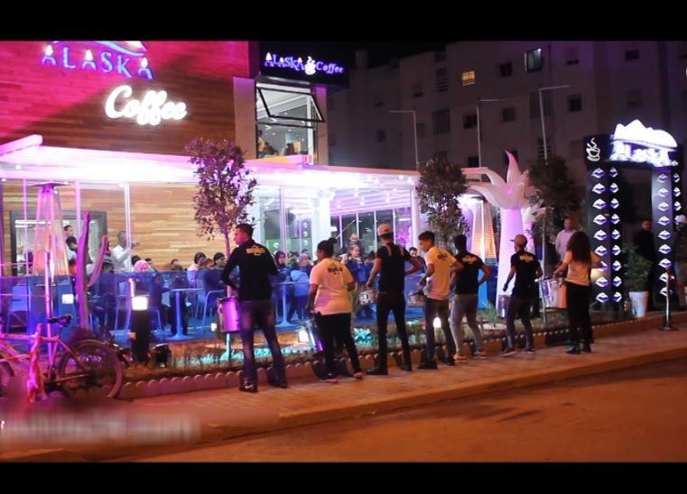 ''ألاسكا''.. مقهى وفضاء عائلي فاخر يفتتح أبوابه في شارع خليل جبران بحي المطار بالجديدة