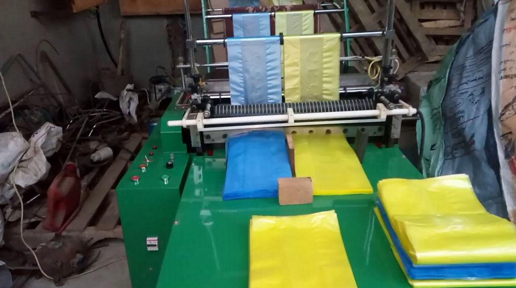 الدرك الملكي  بالجديدة يداهم مصنعا سريا للأكياس البلاستيكية المحظور إنتاجها وتسويقها