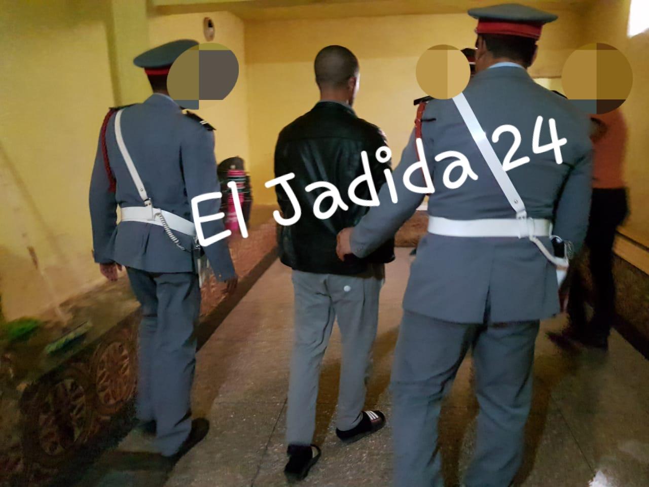 شاهد بالصور.. إعادة تمثيل جريمة قتل بشعة داخل حمام بإقليم سيدي بنور
