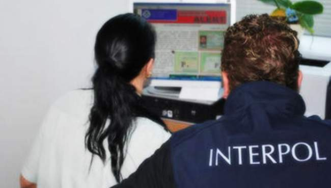 السلطات الأمنية بأزمور  تتمكن من توقيف مواطنة فرنسية مبحوث عنها من طرف ''الانتربول''