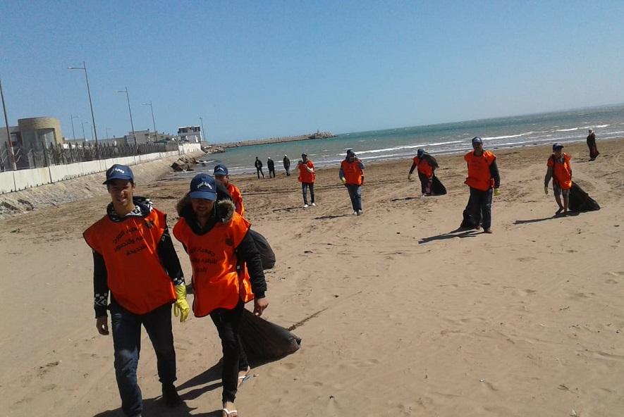 جمعية المرح للترفيه والتصوير تنظم حملة للنظافة بشاطىء الجديدة