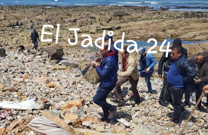 بالصور.. الدرك البحري يعثر على رزمة من مخدر الشيرا على الشاطئ الصخري بالجديدة