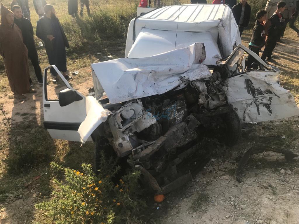 بالصور.. اصطدام بين 'رموك'وعربة فلاحية وسيارة خفيفة بإقليم الجديدة يخلف خمسة  ضحايا
