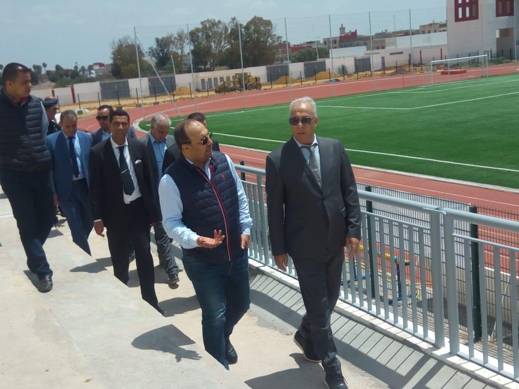 شاهد.. لجنة أمنية رفيعة المستوى تزور الملعب الجديد لمدينة الزمامرة
