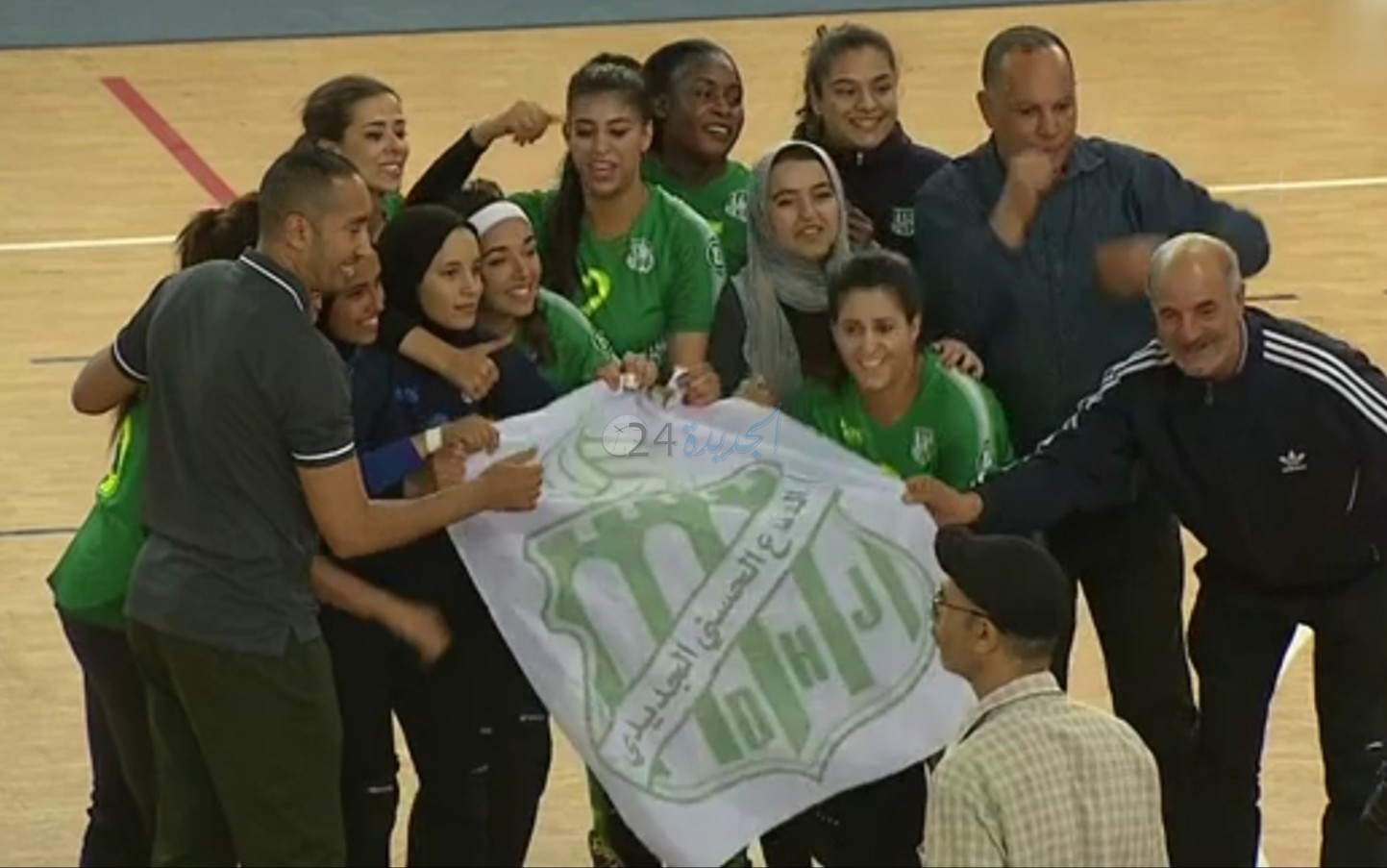 بالصور.. اناث الدفاع الحسني الجديدي لكرة الطائرة يتوجن بكأس العرش للمرة الثانية على التوالي