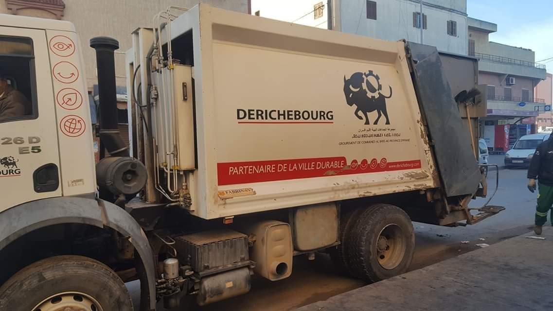 تنظيم وقفة احتجاجية لعمال النظافة ضد شركة ''ديرشبورغ'' بسيدي بنور