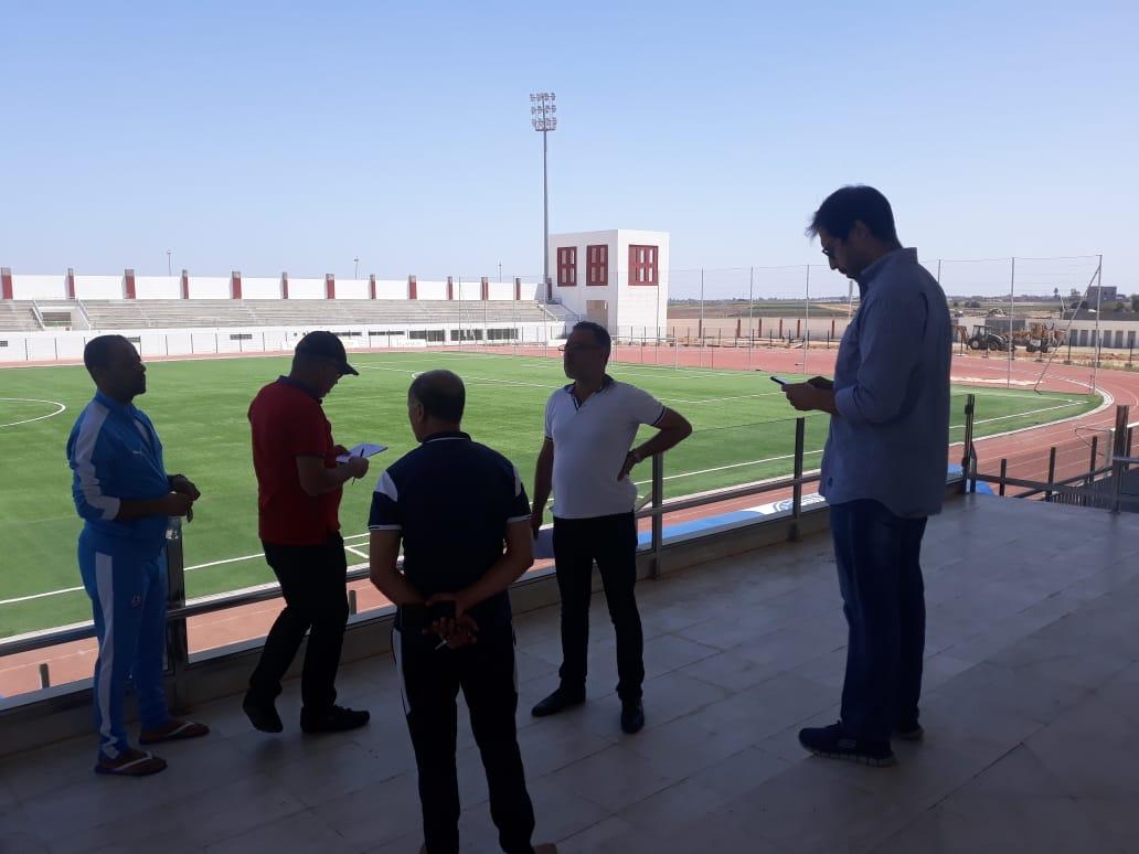 لجنة ''الفار'' تحط الرحال  بملعب أحمد شكري بالزمامرة