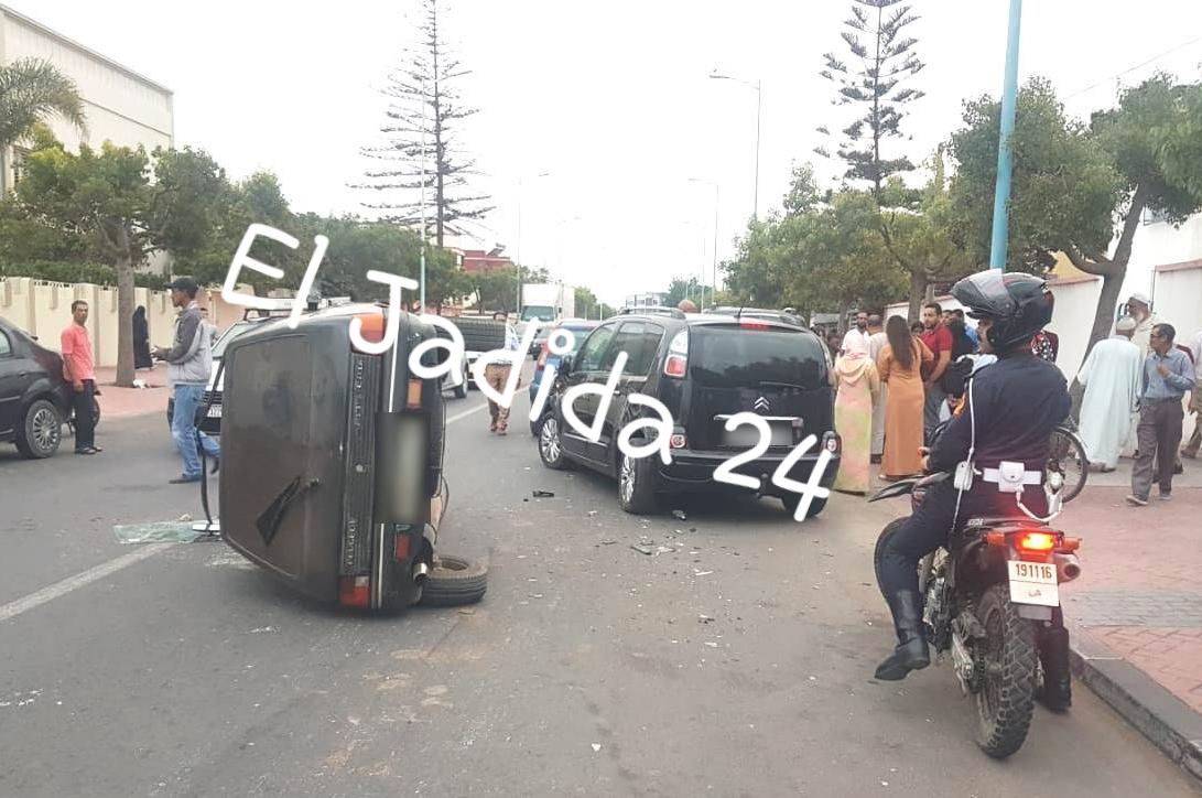 الجديدة 24 بالصور حادثة سير مهولة بالمدار الحضري لمدينة الجديدة