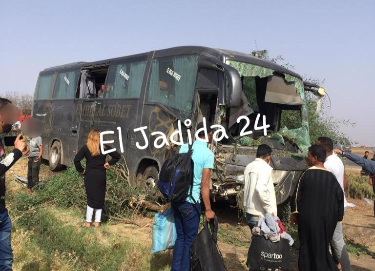 بالصور.. ضحايا على متن حافلة للمسافرين في حادثة سير بإقليم سيدي بنور عشية عيد الأضحى