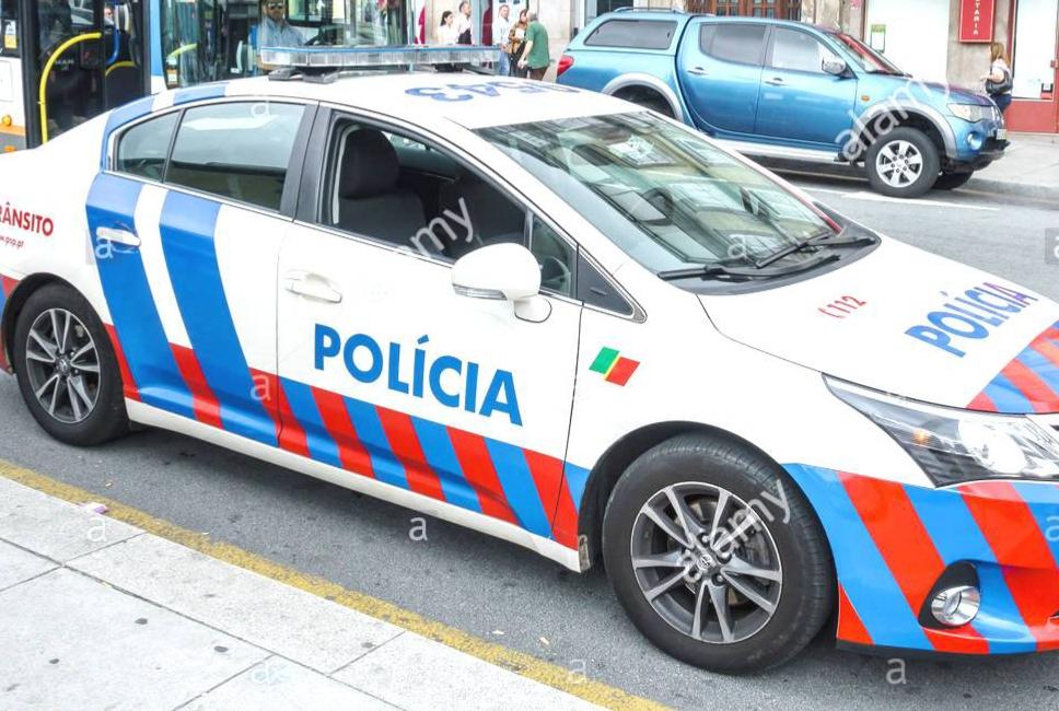 شرطي برتغالي يتعرض لسرقة جوازين للسفر وبطاقته المهنية على شاطئ الجديدة