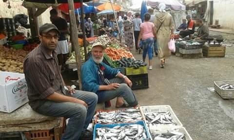 بائعو السمك بسوق لالة زهرة يرفضون تفويت دكاكين السمك في اطار ''طلب عروض'' وسمسرة علنية