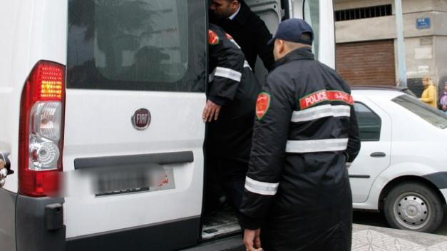 عناصر الأمن توقف منقبة رفقة خليلها داخل بيت الزوجية بمدينة البئر الجديد
