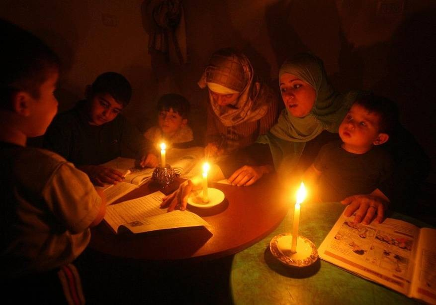 بعد ''هدنة''.. الانقطاعات المتكررة للكهرباء تعود من جديد لأولاد افرج