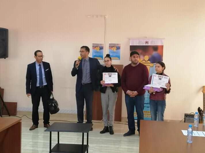 تأهل تلميذتين من مديرية التعليم بسيدي بنور إلى المسابقة الجهوية لفن الخطابة باللغة الإنجليزية