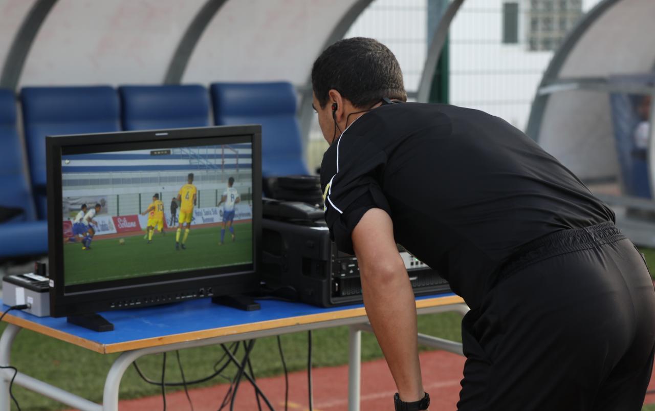 ملعب أحمد شكري بالزمامرة جاهز لتشغيل تقنية الفار ابتداء من الأحد ضد يوسفية برشيد