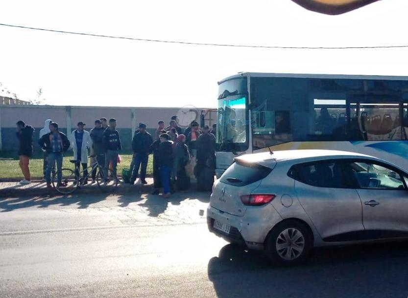 ساكنة دوار تكني  بضواحي الجديدة تحتج على حافلات النقل الحضري