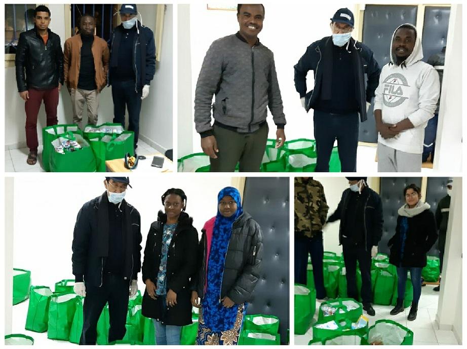 التفاتة إنسانية..  توزيع مساعدات غذائية على الطلبة الأفارقة القاطنين بالحي الجامعي بالجديدة
