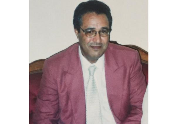 اخوان المرحوم شاكي احمد خارج الوطن يردون التعزية الى ابنائه خارج المغرب